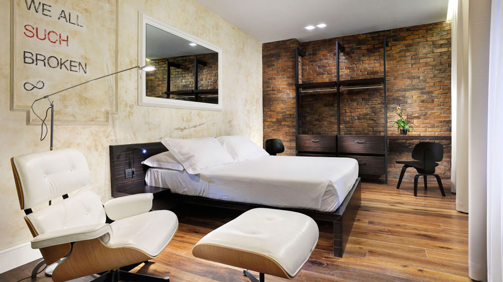 hotel design rome location avec cuisine quip e droit locataire. Black Bedroom Furniture Sets. Home Design Ideas