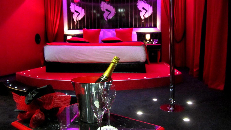 Nouvelle suite cabaret pour l 39 h tel seven paris 5e for Seven hotel paris booking