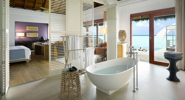 Hotel dusit thani maldives - Ocean-Villa-Bathroom