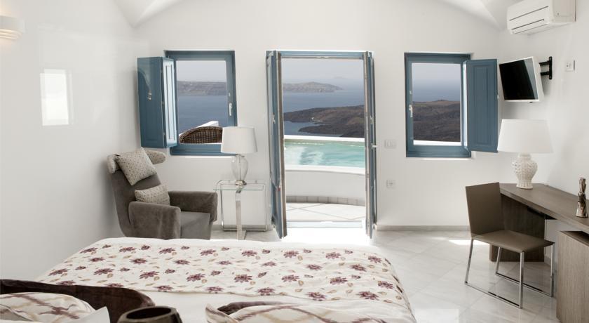 chambre de l'hotel Antelitz Suites à Santorin