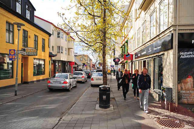 Ambiance Shopping à Reykjavik dans la rue Laugavegur