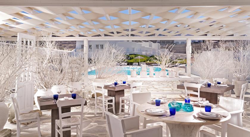 mykonos-bay-hotel-restaurant-et-piscine