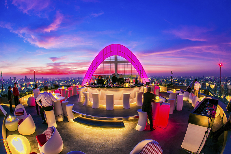 Rooftops Bars - Le Cru Champagne bar au Centara Grand at CentralWorld