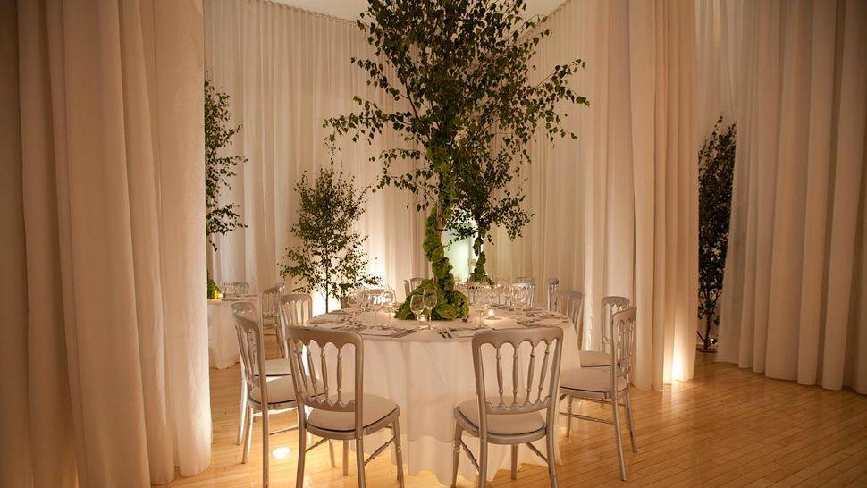 Hotel sanderson-dining-table