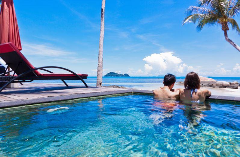 Kupu Kupu Koh Phangan Luxury Hotel - Deluxe Beach Front Pool Villa piscine