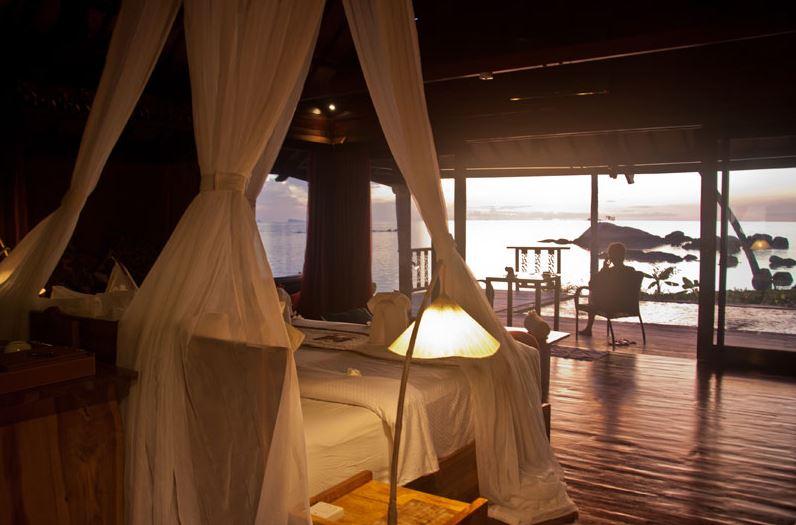 Kupu Kupu Koh Phangan Luxury Hotel - Deluxe Beach Front Pool Villa vue mer