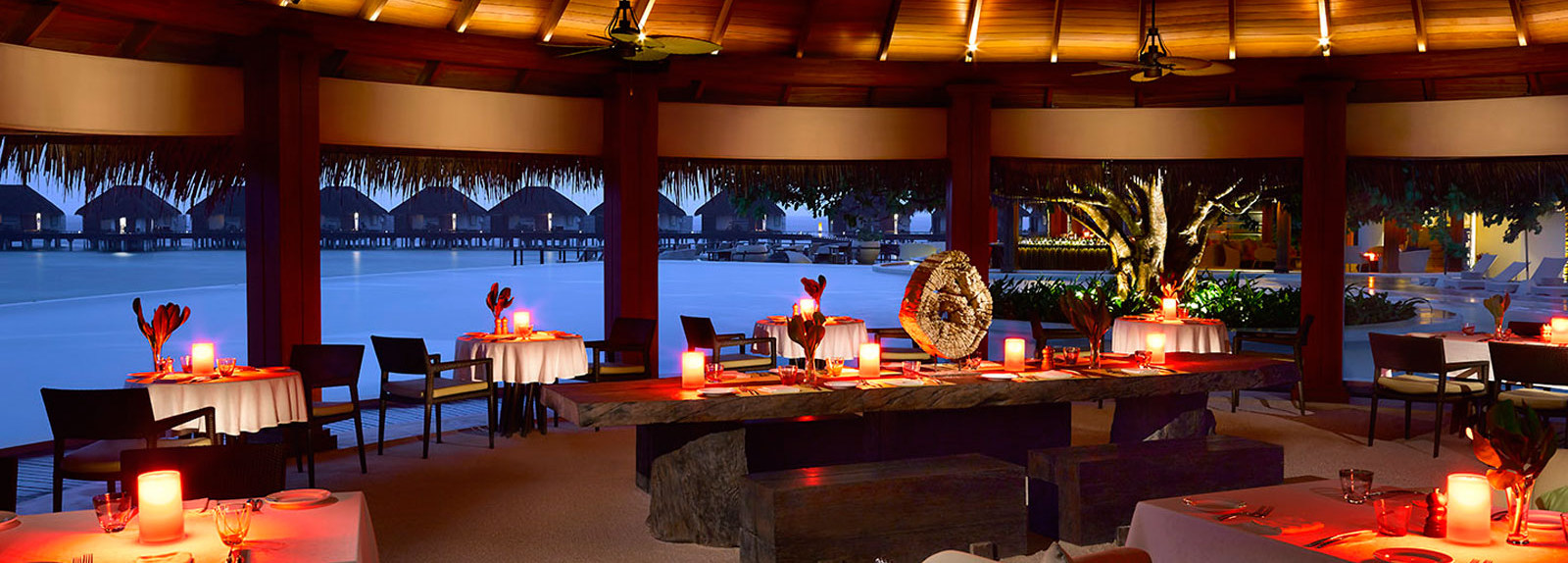 Hotel Dusit Thani Maldives - sea-grill