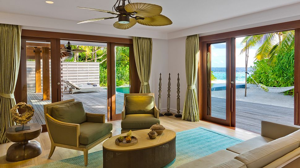 Hotel dusit thani maldives Beach_Residence_Lower_floor_