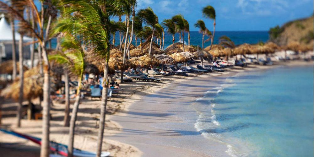 Best Island Beaches For Partying Mykonos St Barts: Echapée Belle à L'hôtel Guanahani à Saint Barth