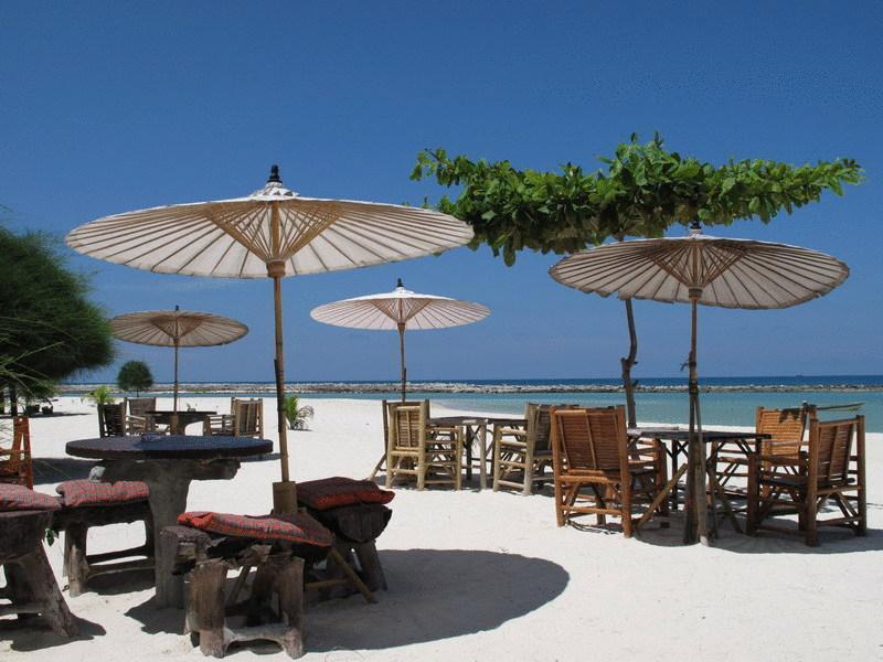 Koh Phangan - hotel Malibu Beach Bungalow restaurant plage
