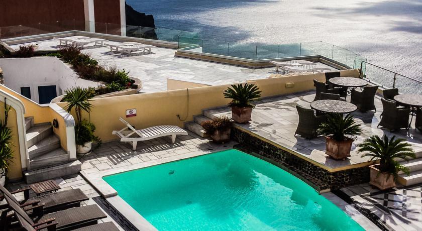 santorin hotel Antelitz Suites Fira