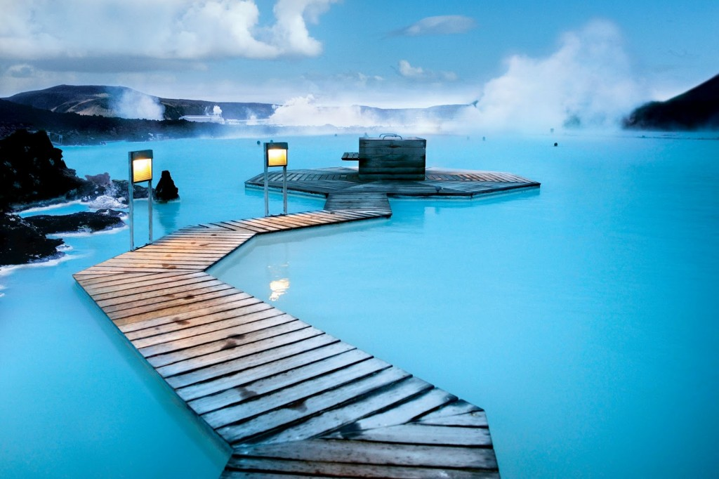 Sources Eau chaudes naturelles Blue Lagoon en Islande