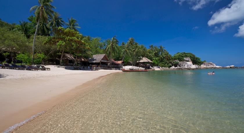 vue plage hotel sensi paradise koh tao