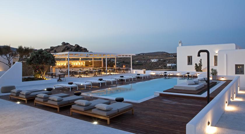 mykonos-lyo-boutique-hotel-piscine