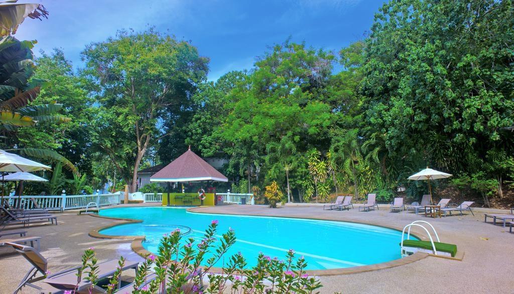 Piscine hotel Bay View Resort à Koh Phi Phi