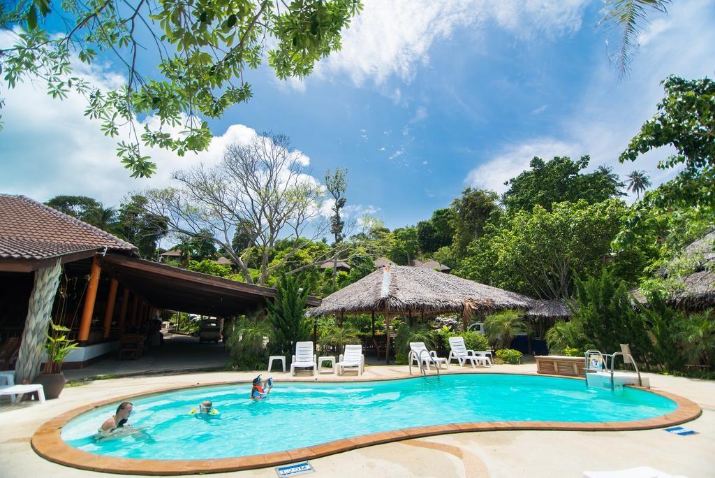 Piscine de l'Hotel Phi Phi The Beach Resort