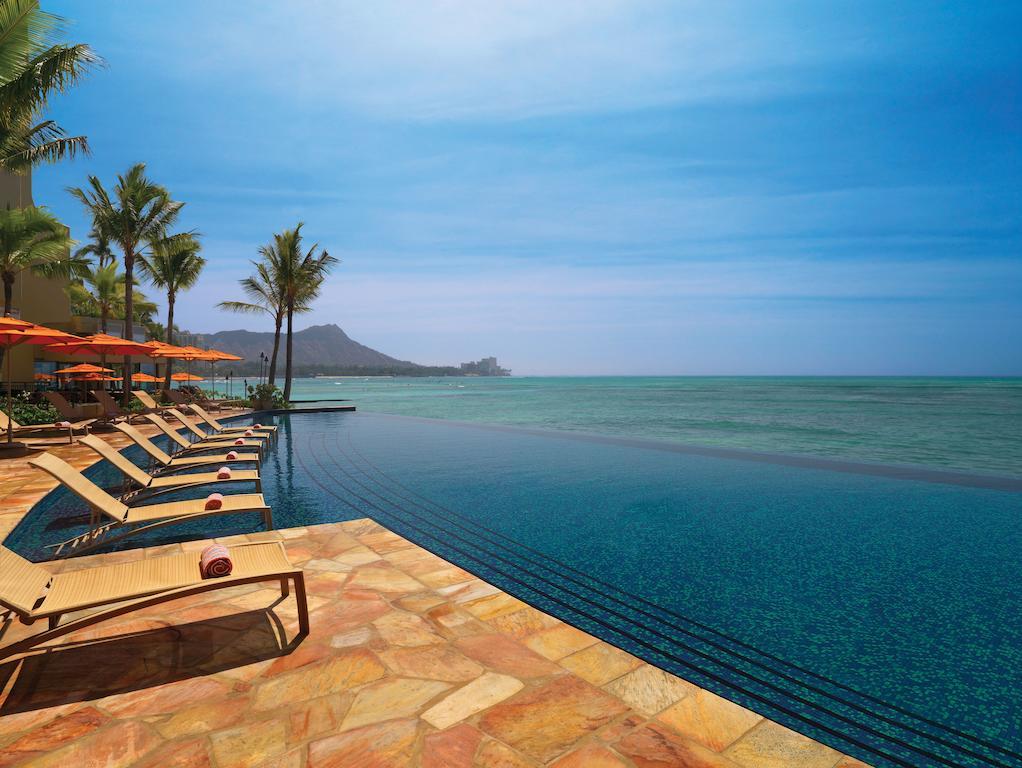 Les 5 plus beaux hôtels d'Oahu à Hawaii - Hôtel Sheraton Waikiki - Piscine à débordement