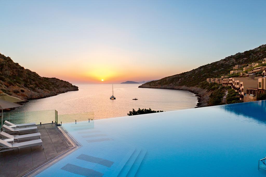 les 10 plus beaux hôtels de Grèce - Hôtel Daios Cove Luxury Resort and Villas Crete - plage