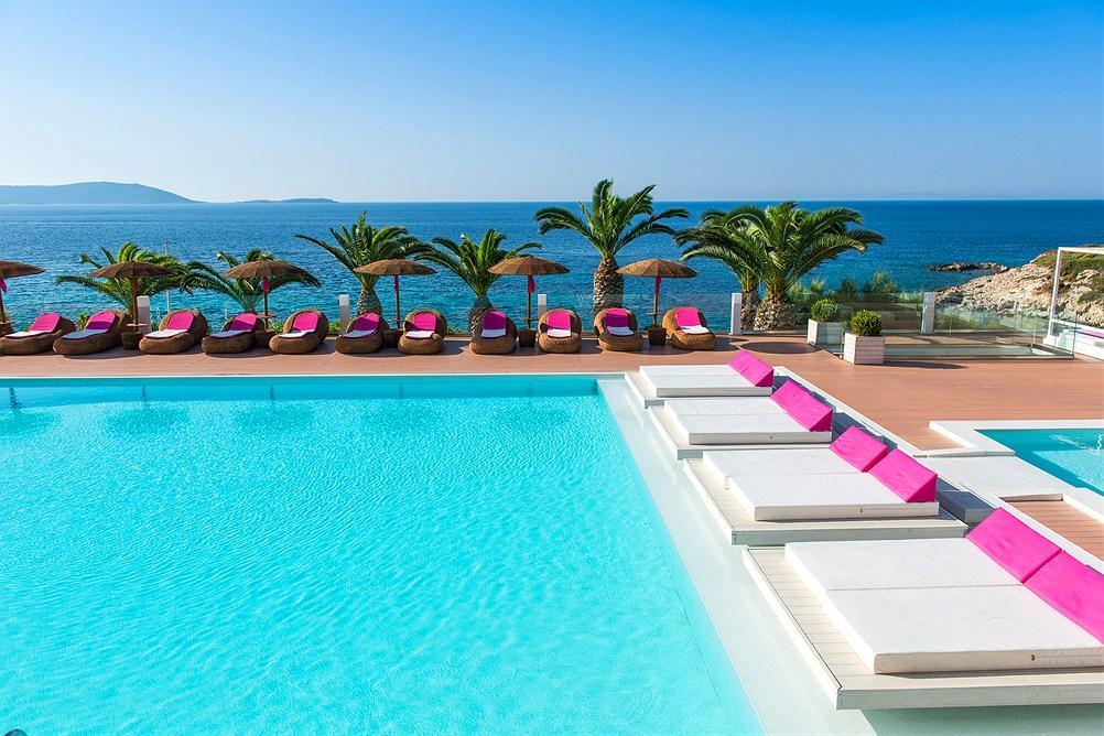 les 10 plus beaux hôtels de Grèce - Hôtel Proteas Blu Resort Samos - piscine