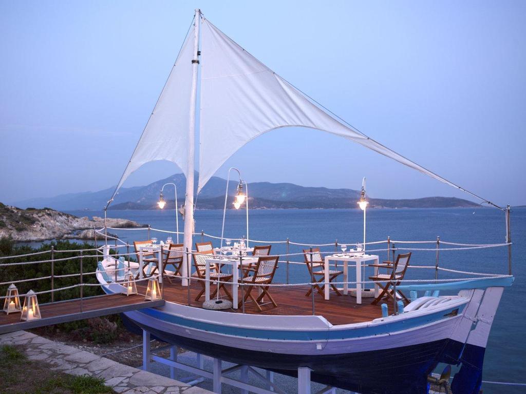 les 10 plus beaux hôtels de Grèce - Hôtel Proteas Blu Resort Samos - restaurant