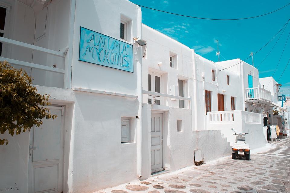 Mykonos promenade dans les rues de la ville