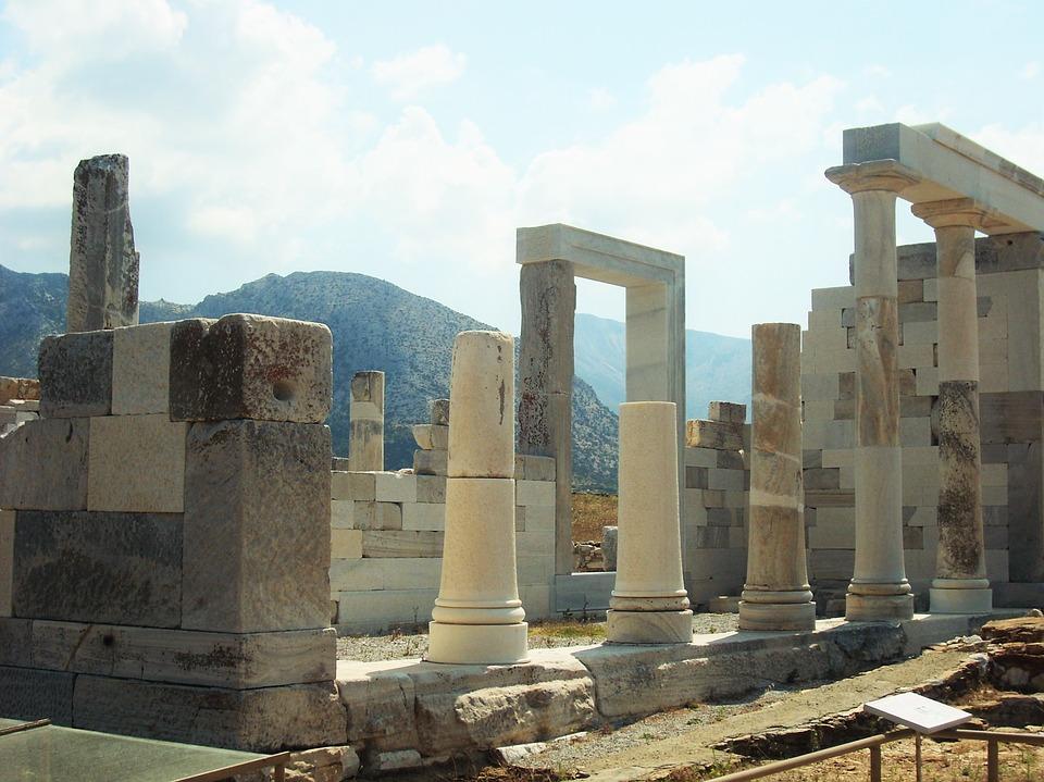 Ruines antiques de la ville Delos proche de Mykonos en grece