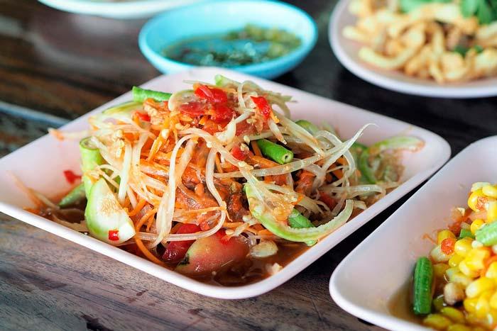 Salade de papaye verte - plat thaïlandais à ne pas manquer