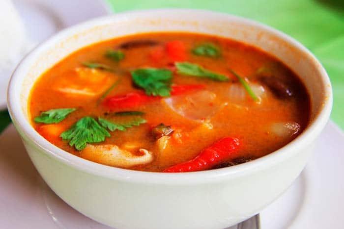 Tom Yam est une soupe pimentée et épicée