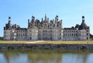 Visiter les châteaux de la Loire en van Aménagé